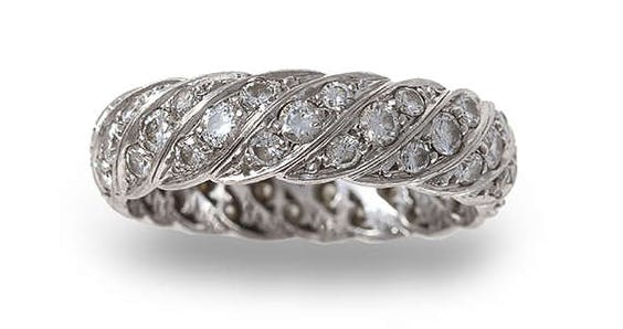 Lot 196 Bague eternity diamants Estimation basse:  2 800 €