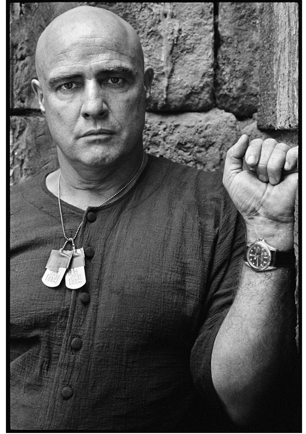 Marlon Brando sul set di Apocalypse Now. Crediti: Mary Ellen Mark, foto via Phillips