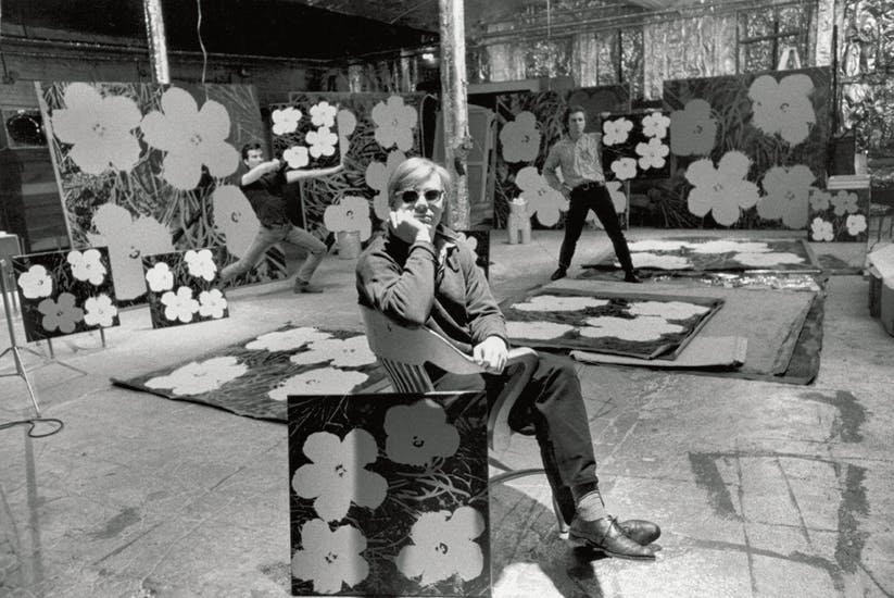 Andy Warhol i the Factory 1964. Bild: Phaidon.