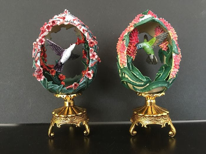 2 Fabergé-Eier aus der limitierten Jeweled Beauties of the Garden-Edition, 1988