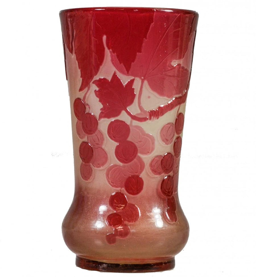 Vase Emile Gallé aux raisins stylisés William H. Bunch