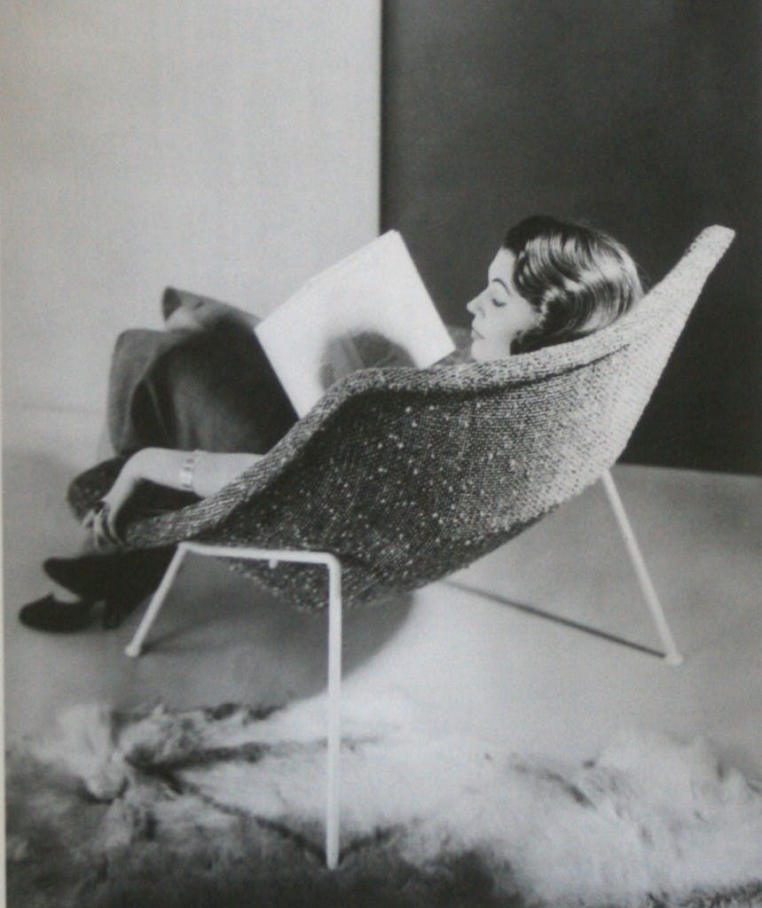 Fauteuil de repos CM137, vers 1953 Image: The red list