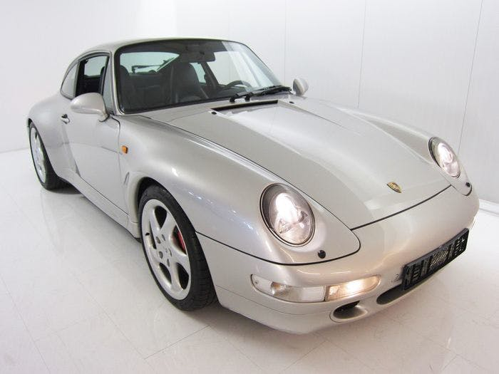 PORSCHE - 993 Carrera 4S - 1997 Estimation: 115.000-149.500 EUR