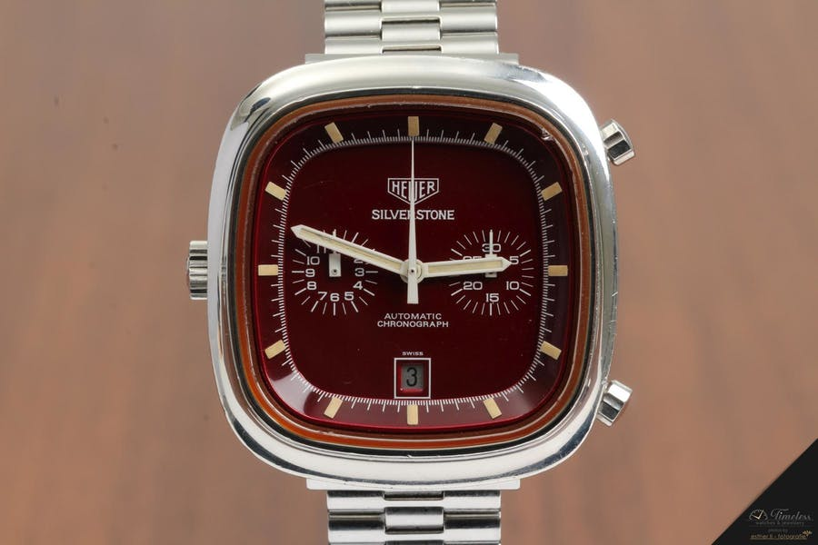 Heuer Silverstone Vintage Chronograph Burgundy Dial | Foto: Timeless Watches & Jewellery