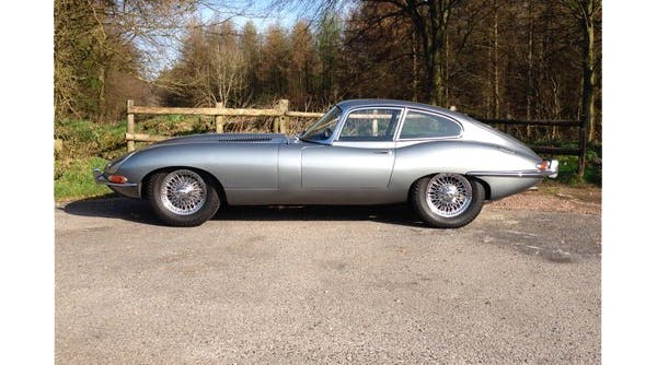 En 1961 Jaguar E-Type Coupe from Wallmans egna samling. Foto via LastBid.