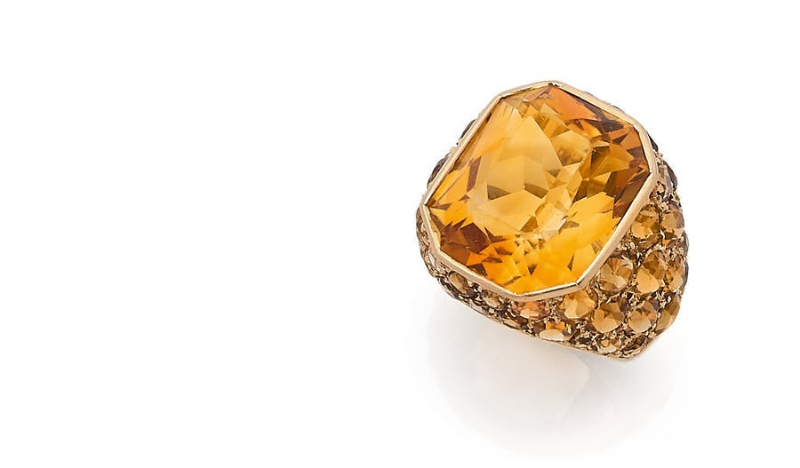 Suzanne Belperron, rectangular citrine 'dome' ring and multicoloured citrine pavé, 18k yellow gold. Photo: © Aguttes