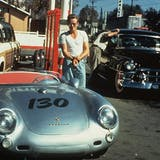 "James Dean mit seinem Porsche 550 Spyder, den er ""Little Bastard"" taufte 