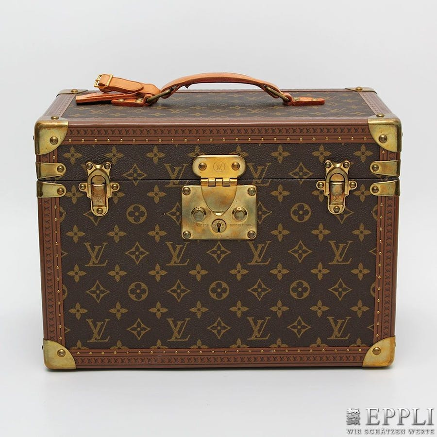 LOUIS VUITTON - Beautycase Monogram Canvas Aufrufpreis: 1.800 EUR