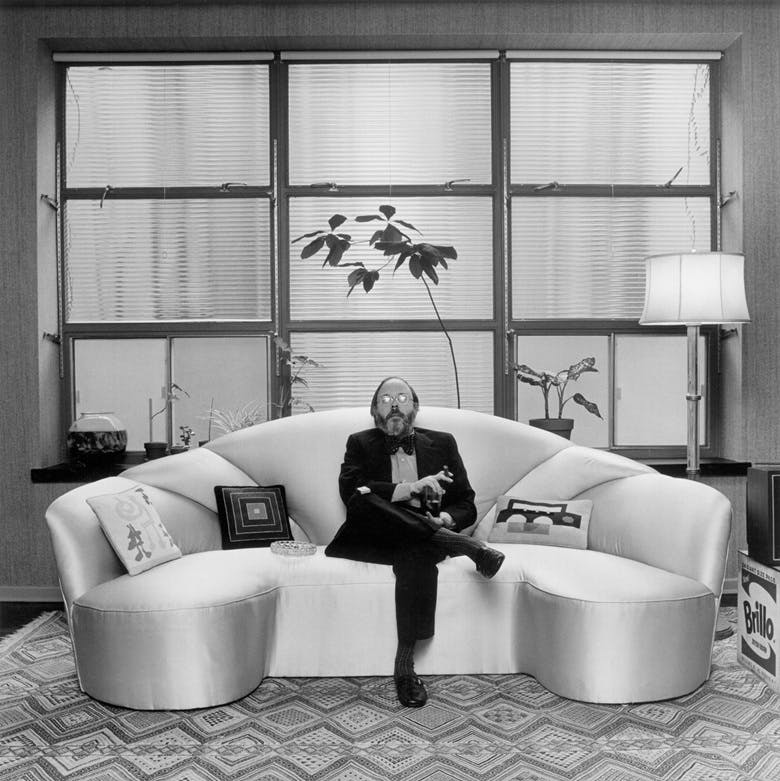 Henry Geldzahler in his apartment. Image: Getty Images