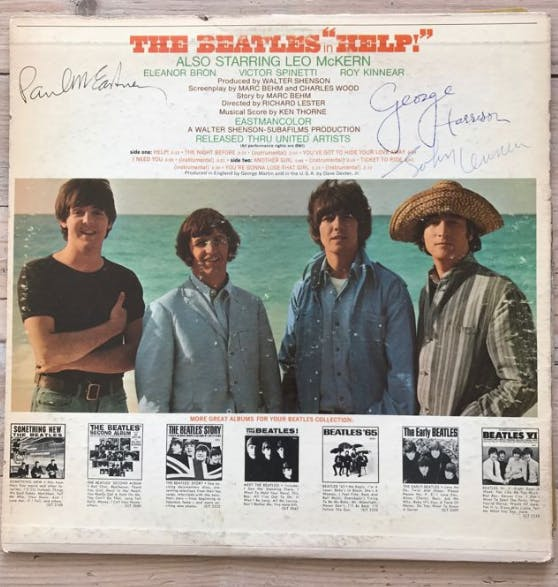"Album ""Help"" signé par les membre du groupe The Beatles"