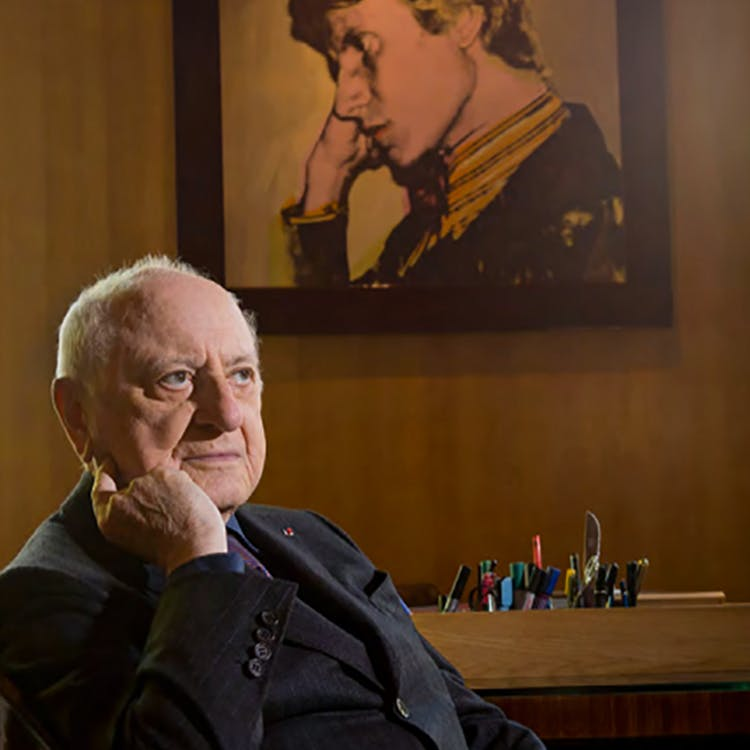 Pierre Bergé dans son bureau à la Fondation Pierre Bergé-Yves Saint Laurent avenue Marceau à Paris le 9 octobre 2014. Photo : Luc Castel. Via le Quotidien de l'Art