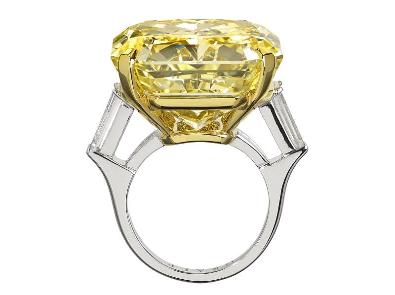 GRAFF DIAMONDS. Lujoso anillo de diamantes de color amarillo