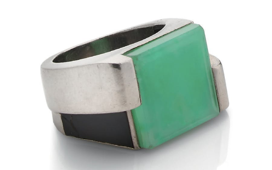 Georges Fouquet (attributed to), onyx ring, jadeite and 18K gray gold. Photo: © Aguttes
