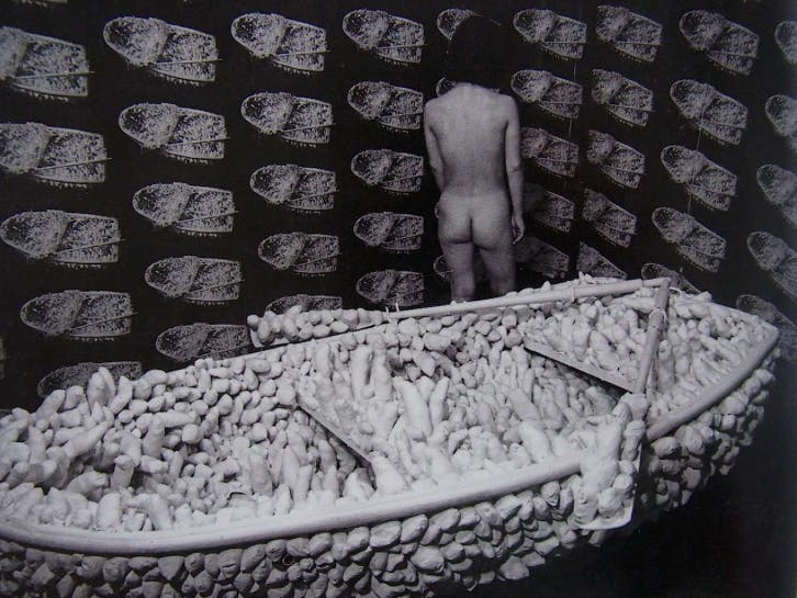 Yayoi Kusama, « Aggregation, One Thousand Boat Show », 1963, Gertrude Stein Gallery, NY, image via mrexhibition.net